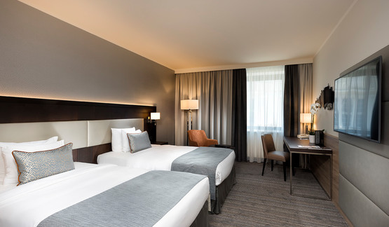 Wyndham Grand Salzburg Conference Centre Comfort Room with twin beds