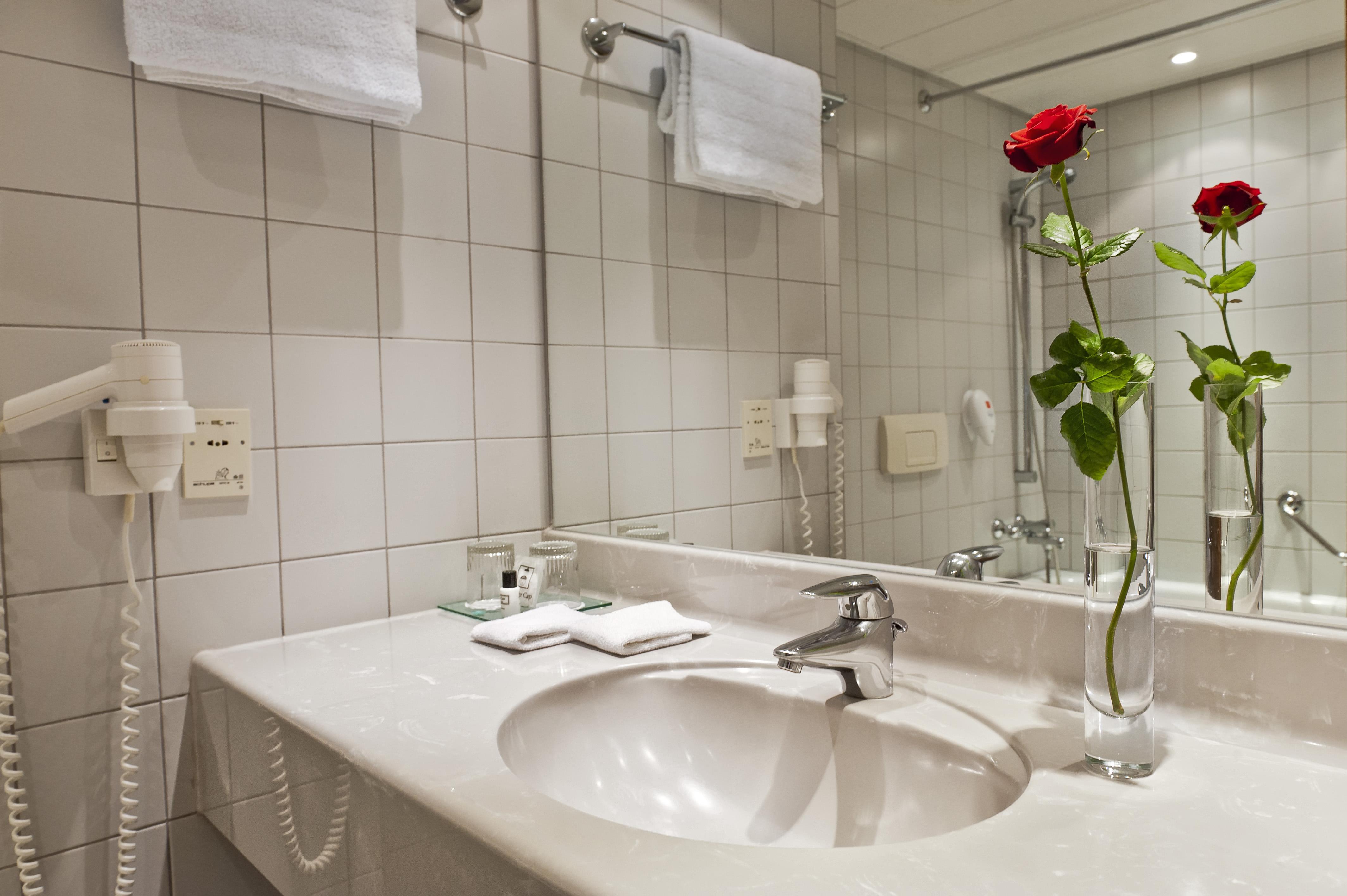 High Quality Wyndham Grand Salzburg Conference Centre Business Hotelzimmer Und Suiten  Mit Badezimmer Nah Am Hauptbahnhof Buchen |